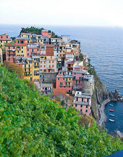 http://journeysviaggio.files.wordpress.com/2011/06/manarola-from-above3.jpg