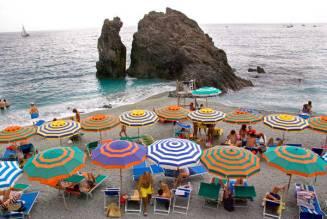 umbrellas-Monterosso